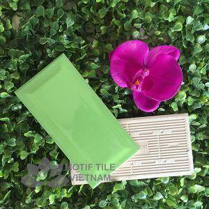 Gạch thẻ ốp tường subway xanh lá bóng vát 7.5x15cm SW75150V(Green)